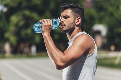 Обязательна ли вода во время бега?