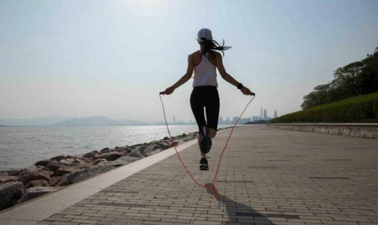 Упражнения со скакалкой, какая польза?